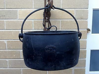 Decorative Cast Iron Boiler - Clark & Co - 21/2 Gallon / Dutch Oven / planter