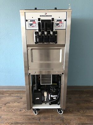 Spaceman 6250  Air-Cooled Soft-Serve FroYo Machine. Show Room Condition
