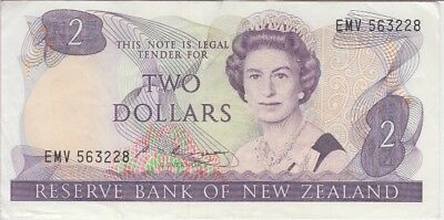 New Zealand Banknote P170b 2 Dollars Sig Russell, QE II, VF
