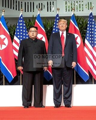 Donald Trump & Kim Jong-Un @ Singapore Summit June 2018 - 8X10 Photo (Aa-876)