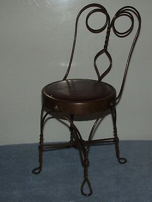 Four Square Nut Footed Child's Twisted Soda Fountain Ice Cream Parlor Wire Chair