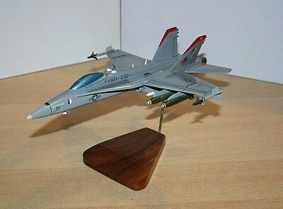35-58 US MARINE FIGHTER ATTACK SQUADRON 232 F/A-18 HORNET Desk Top Display Model
