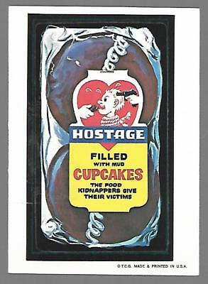 1973 1st Series 1 Topps Wacky Packages HOSTAGE CUPCAKES White Back Card