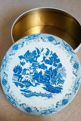 Cake/ Biscuit Tin Blue Willow Vintage Large Round Clean Usable
