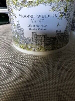 Woods of Windsor Body Dusting Powder with Puff Lily Of The Valley 3.5oz New