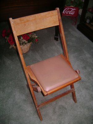 Vintage Snyder Chair Co. Wooden Folding Chair