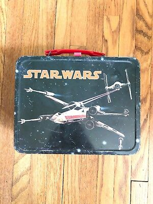 1977 Original Star Wars collectable vintage lunch box - NO thermos Included.