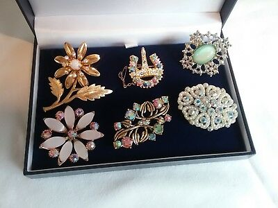Fabulous Mixed Lot Of Vintage Brooches With Aurora Borealis Stones.