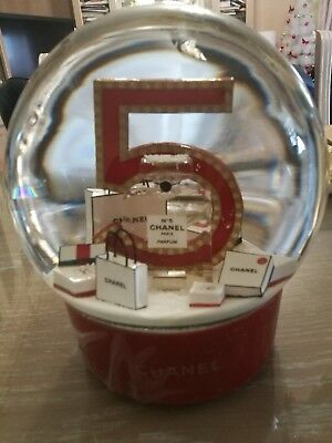 Chanel Snow Dome Globe Electrical XMAS Red super rare