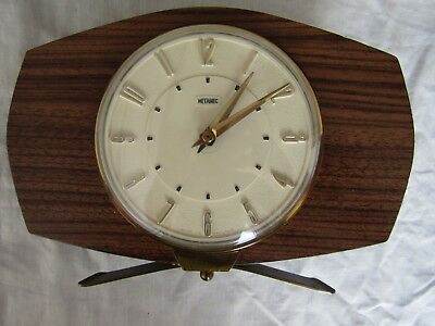 VINTAGE MANTLE CLOCK METAMEC wind up / 30 hour Brass stand fully working