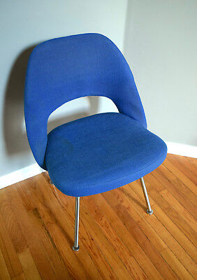 Vintage 1960s Eero Saarinen KNOLL Executive Blue Armless Chair