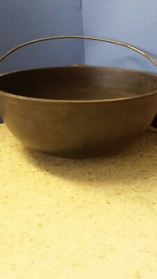 Antique Cast Iron Cauldron Stock Pot Bean pot Gate Mark  Heat Ring #2? On Tab