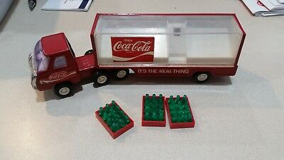 Vintage Buddy L Coca Cola Coke Semi Mack Delivery Truck with 4 Bottles  NICE !