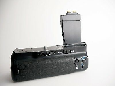 Battery Grip for Canon EOS Rebel t5i 700D With Two Extra Batteries & Charger