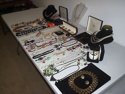 Large Job Lot Of Vintage & Costume Jewellery Necklaces Bracelets Brooches (K)