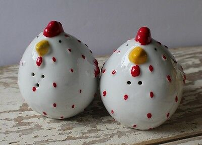 Pair of Salt and Pepper Shakers Chickens Hens White Red