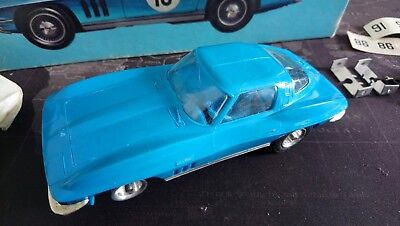 REVELL 1/32 SCALE EARLY SLOT CAR KIT BUILT 65' STINGRAY FASTBACK Boxed +  Spares