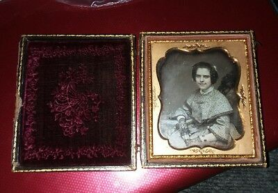 Antique 1/4 Plate Ambrotype Gutta Percha Case Beautiful Smiling Teen Lace Gloves