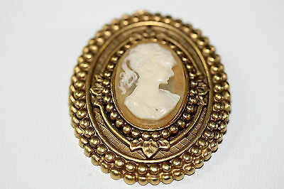 Cameo Brooch Vintage Estate Find Beautiful Elegant Gold tone Well Made