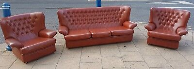 Stunning midcentury 60s / 70s Wing Back Button Vinyl  Suite Sofa chesterfield