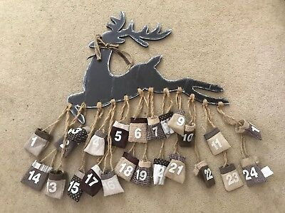 Christmas - 24 Day Advent Calendar - Hanging Reindeer - Wall Deco - With Pouches