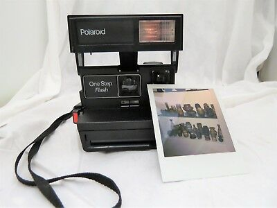 Polaroid One Step Flash Instant Camera With Strap Uses 600 Film - Tested Works