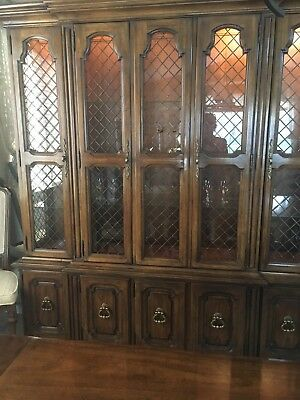 Exceptionnel Drexel Heritage China Cabinet  2 Piece 6 Ft Long, 17 In Deep,