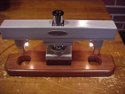 COLIGHT OPTICAL COMPARATOR Model 935 TESTED