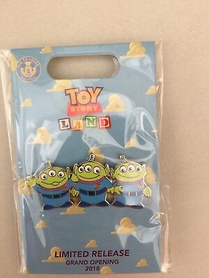 Disney Toy Story Land Opening Limited Release Green Aliens Men Pin BoxLunch