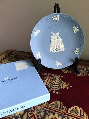 Wedgwood Nativity Christmas Plate In Box 2001 - White On Pale Blue UK