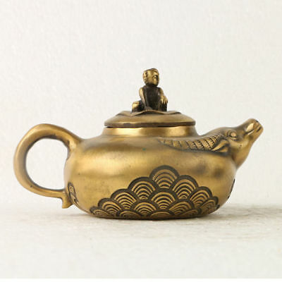 Chinese Exquisite Brass Teapots Hand Carved Cottle Shape teapots GL203