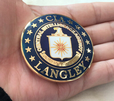 UNITED STATES ARMY CIA LANGLEY METAL INSIGNIA BADGE PIN Army Medal  size: 5.5 cm