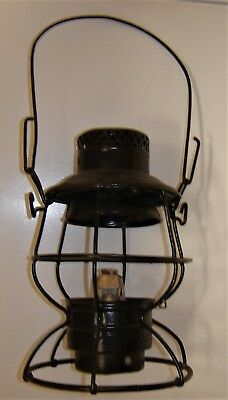 NY. NH. & H. RR.  Adlake 100 Railroad Lantern with Fount & Burner,  Needs Globe.