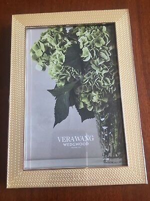 Vera Wang Photo Frame By Wedgewood With Love Pearl