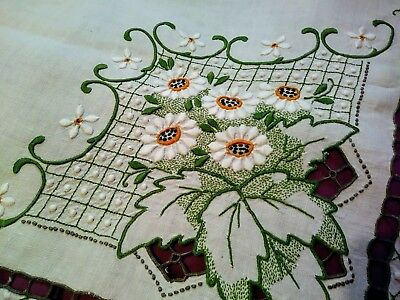 """Exquisite Color Daisy Design Embroided and Cutwork Madeira Linen Tablecloth 51"""""""