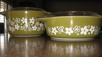 Vintage pyrex bowls/lids/flowers/olive green/white/table/eat/recipe/glass/clear