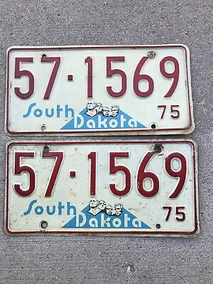 1975 South Dakota license plate pair Spink County 57