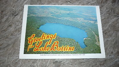 AUSTRALIAN OLD POSTCARD VIEW FOLDER. FROM THE 1970s LAKE BARRINE QLD