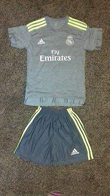 Boys Football Kit Away Real Madrit Ronaldo 7 size UK 164 cm