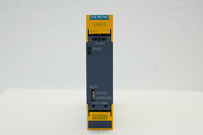Siemens SIRIUS 3SK1211-2BB40 SAFETY RELAY
