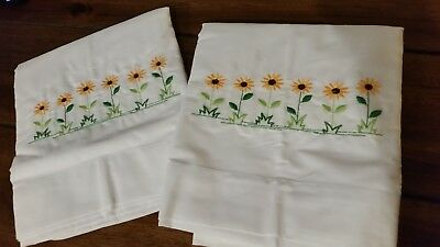 Embroidered Black-eyed Susan Flowers Pillowcase Set of 2 White Standard