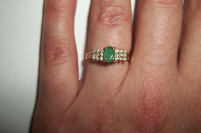 14k Yellow Gold Natural Colombian Emerald & Diamond ring size 5 1/2 Vintage