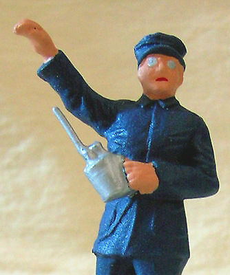 Train Engineer with Oil Can, Standard Gauge reproduction, Ives, Dorfan, Flyer