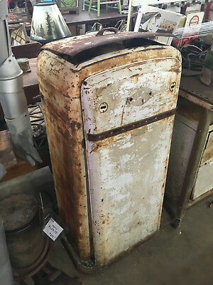 """Tall Vintage Upright Service Station Grease Pump With A """"citgo"""" Container"""