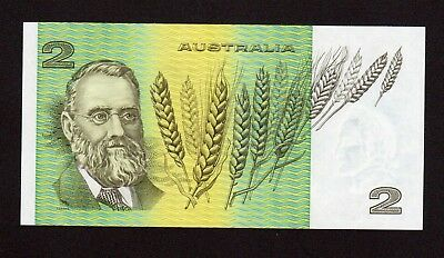 $2 - 1985 Australian Paper Banknote Two Dollar UNC General Prefixes LKJ 802 676