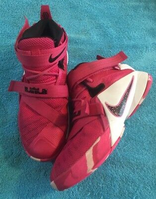 buy online fe110 50012 NIKE LEBRON JAMES Soldier XI Basketball Shoes Size 6Y Pink Breast Cancer