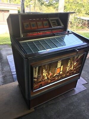Collectable 1960's Rowe AMI MM1 jukebox