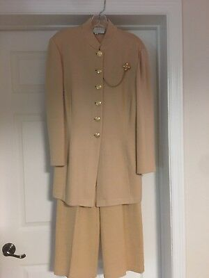 Stunning St. John  Collection By Marie Gray Beige Pantsuit Size 4/8