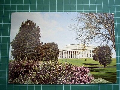 1960's KIWI POSTCARD - AUCKLAND MUSEUM & DOMAIN GROUNDS - NEW ZEALAND Used