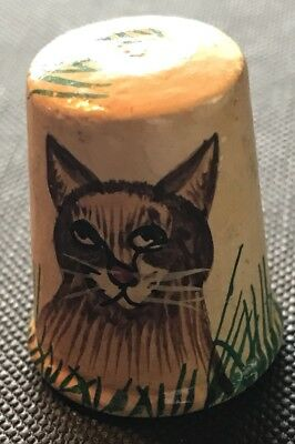 Beautiful Vintage Wooden Painted Thimble Of A Cat. T-1034